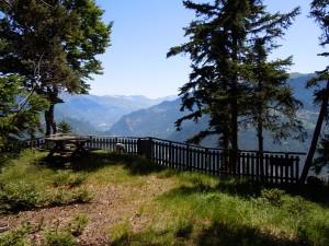 Sentiers F-P-Belvédère des Ravières